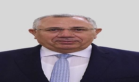 مصر اليوم - مدير مديرية الزراعة في أسيوط تشرف على إزالة التعديات على الأراضي الزراعية