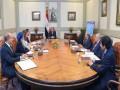 مصر اليوم - مصر تمنع دخول الموظف غير الملقح المنشآت الحكومية ومجلس الوزراء يؤكد أنه سيتم اعتباره منقطعا عن العمل