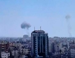 مصر اليوم - اتصالات أميركية للتهدئة في غزة وتحرك مصري لنقل المصابين إلى المستشفيات عبر معبر رفح