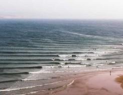 مصر اليوم - «الأرصاد الجوية» أعلنت ارتفاع الأمواج وانخفاض الحرارة والرطوبة ونشاط للرياح على مدن المتوسط