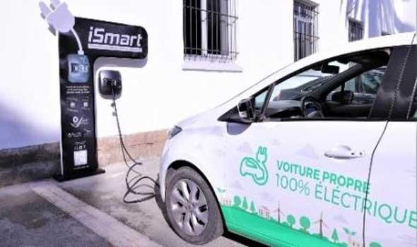مصر اليوم - فوكسكون التايوانية تعرض نماذج أولية للسيارات الكهربائية