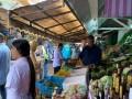مصر اليوم - سوق دبي الكبير خزانة توابل ودواء تجذب اهتمام السياح