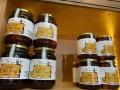 مصر اليوم - أطعمة ظاهرها الصحة وباطنها المرض أبرزها العسل والزبادي
