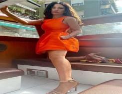 مصر اليوم - صبا مبارك تتألق بإطلالة صيفية في فستان برتقالي