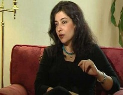مصر اليوم - الناقدة المصرية شيرين أبو النجا تحلم أن يتحول النص النقدي لإبداعي