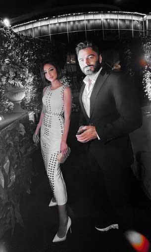 مصر اليوم - بسمة بوسيل تتألق بإطلالة كلاسيكية برفقة زوجها تامر حسني